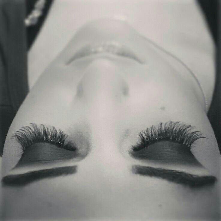 esteticista maquiador(a) designer de sobrancelhas