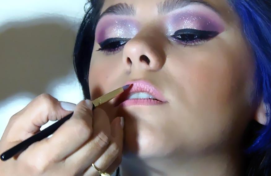 Maquiagem Debutante. esteticista maquiador(a) designer de sobrancelhas