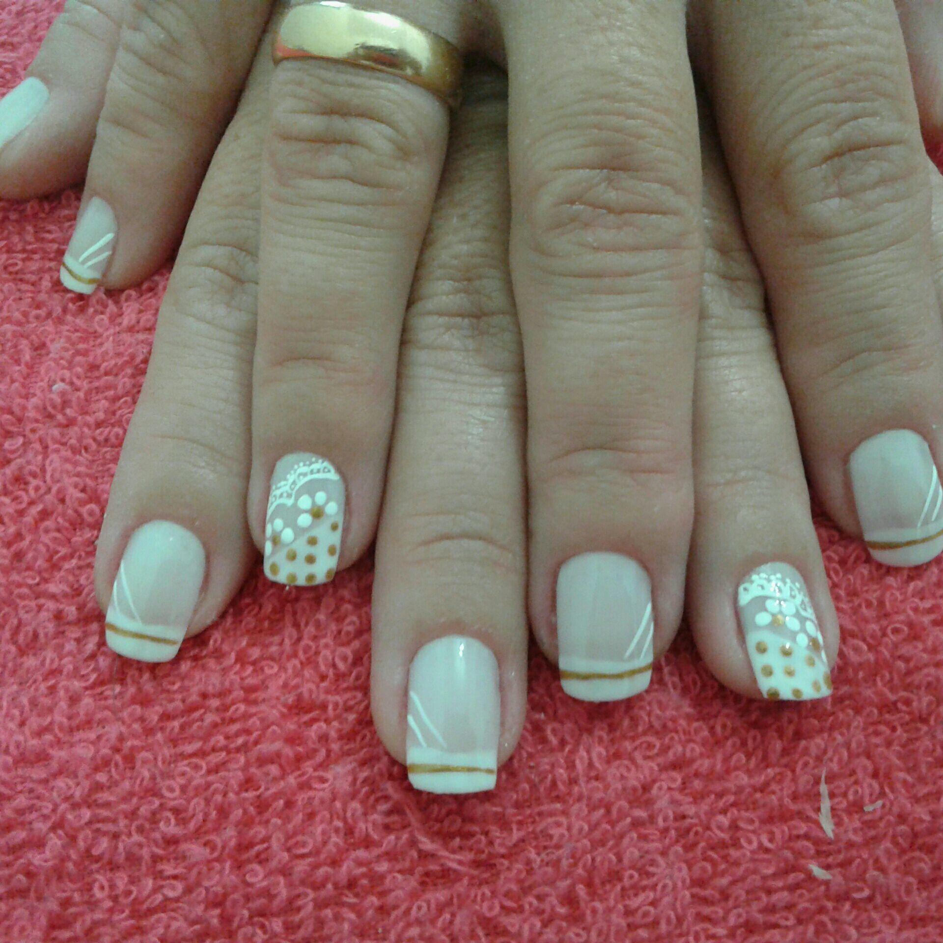 manicure e pedicure cabeleireiro(a) esteticista depilador(a)