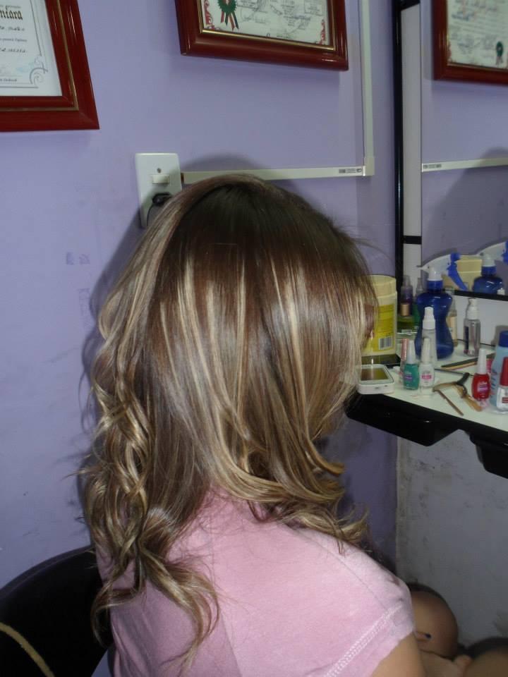 reflexo, finalizado com escova cabeleireiro(a)