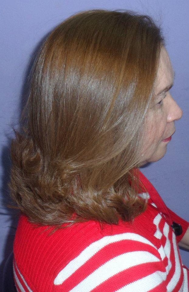Hidratação com escova cabeleireiro(a)