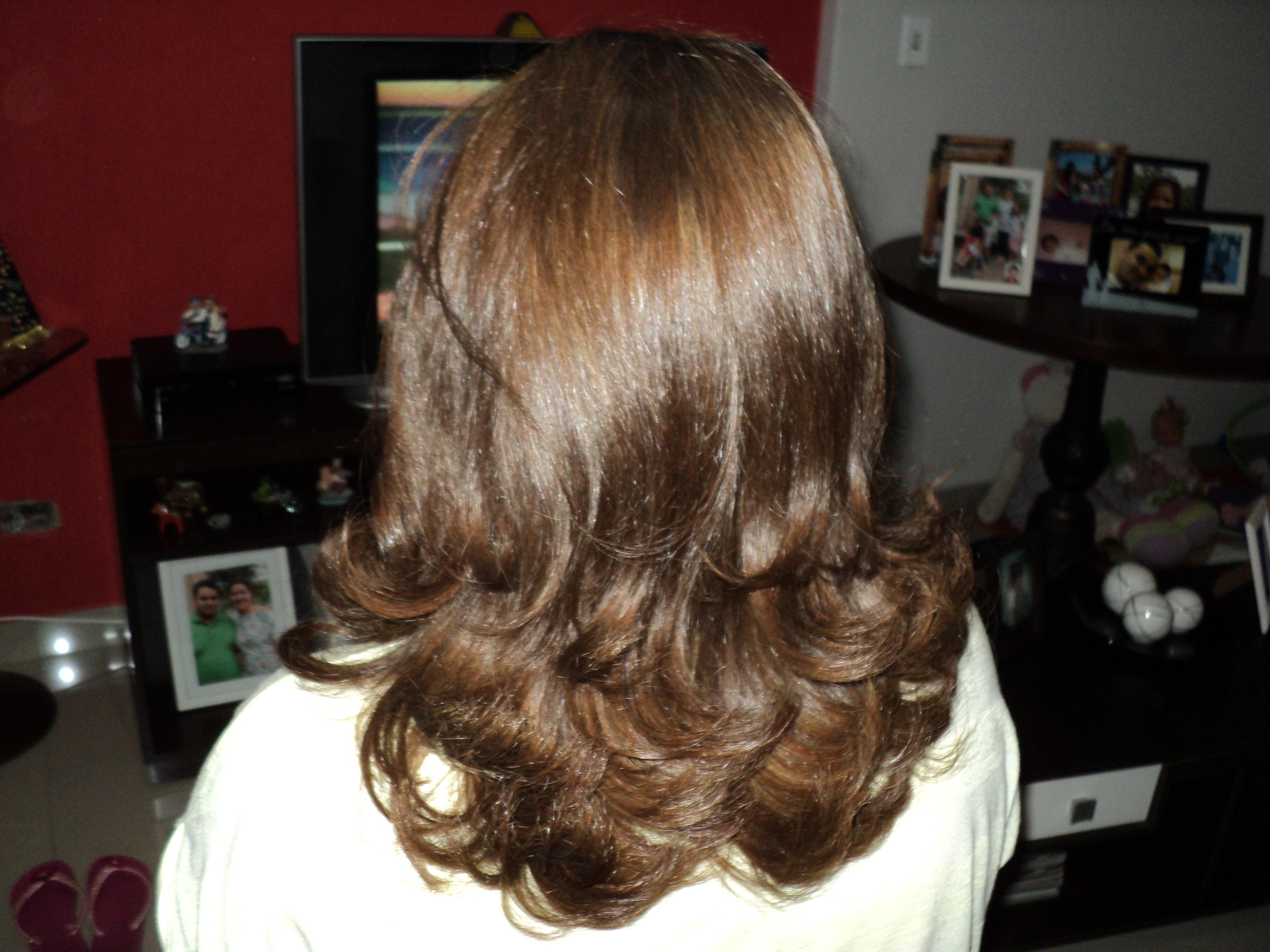 Corte, escova e correção de cor. auxiliar cabeleireiro(a) auxiliar administrativo