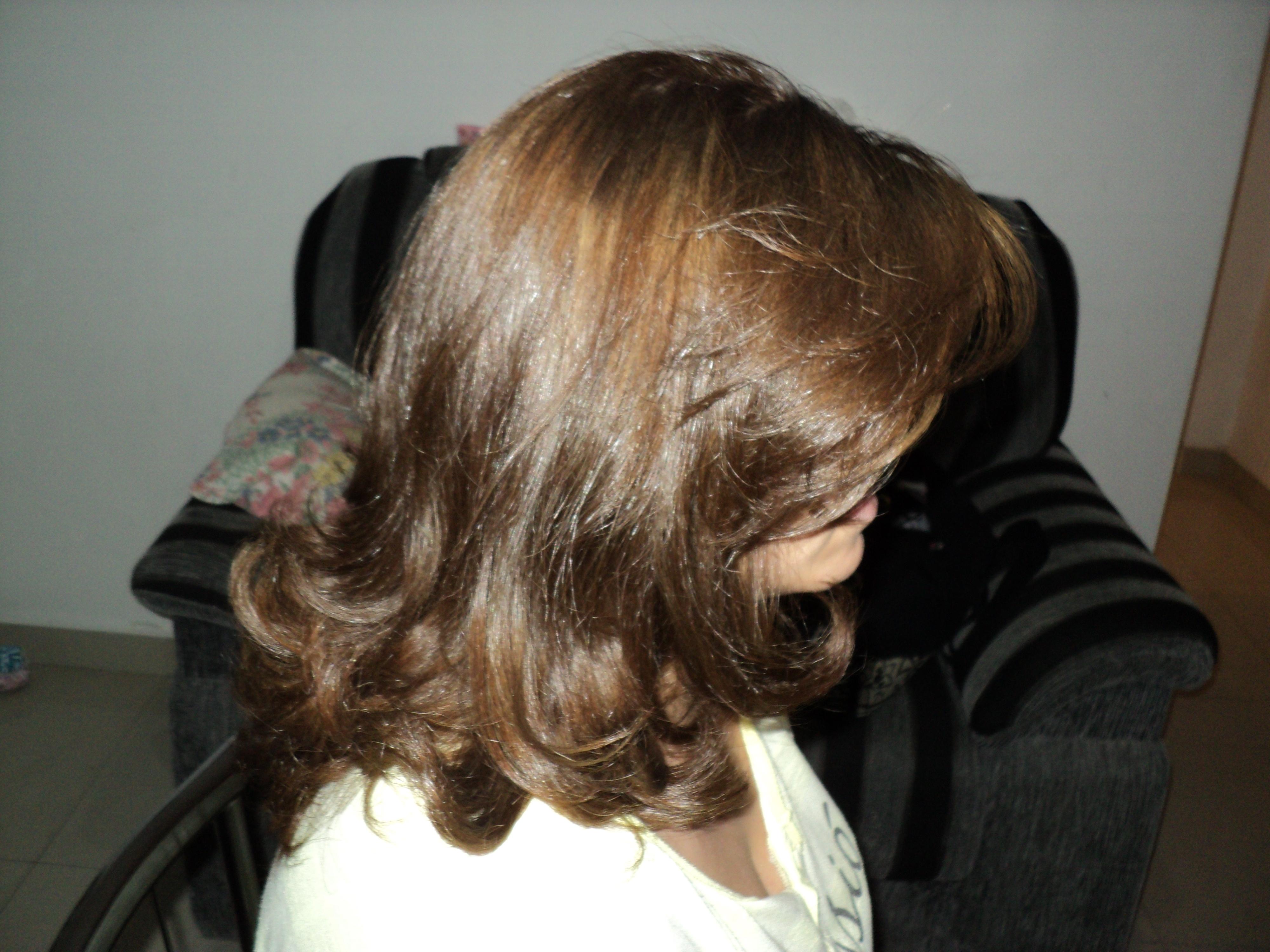 Corte,  escova e correção de cor  auxiliar cabeleireiro(a) auxiliar administrativo