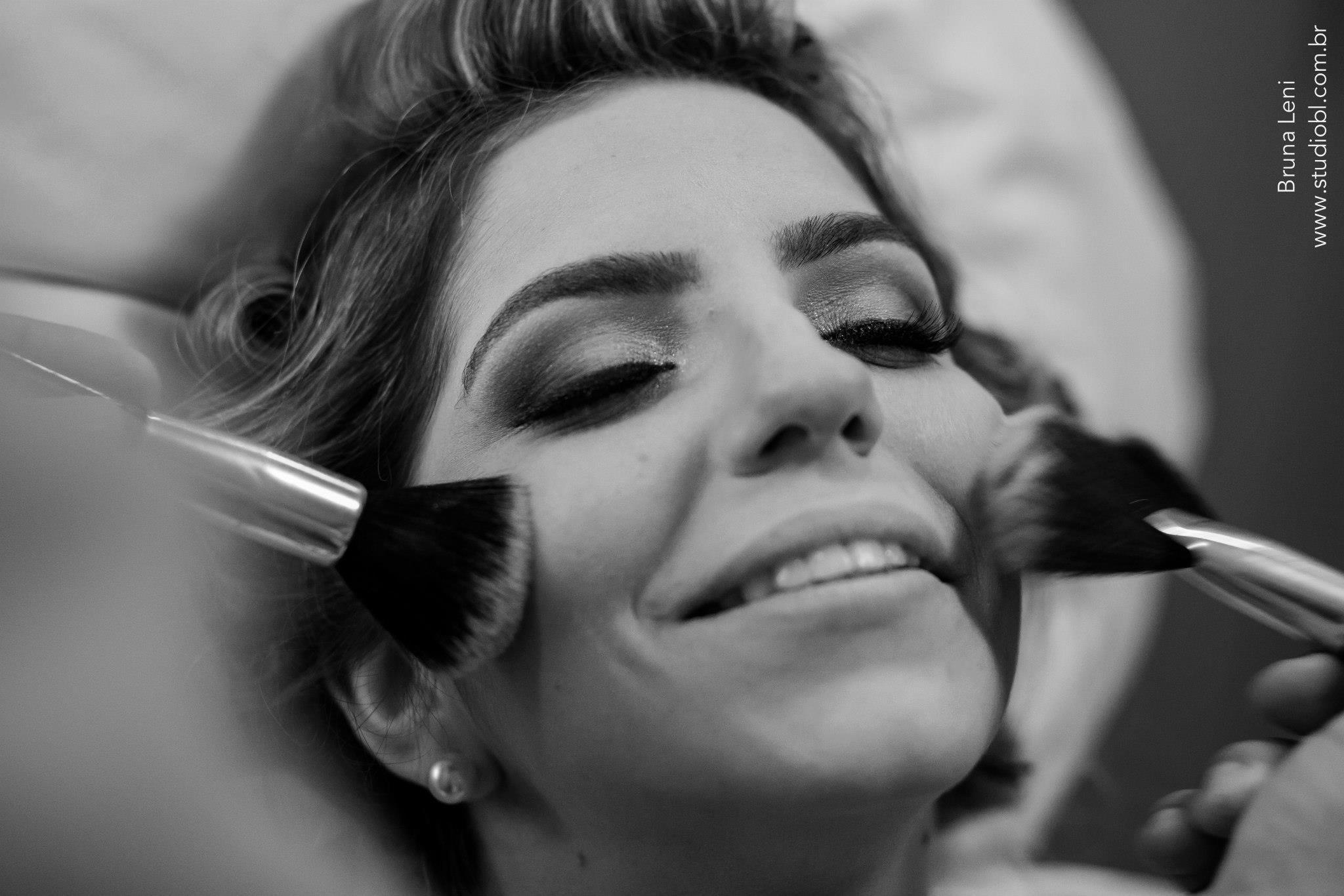 FOTO MARAVILHOSA LINDA DA NOIVA DANIELLE DE MORAES maquiador(a)