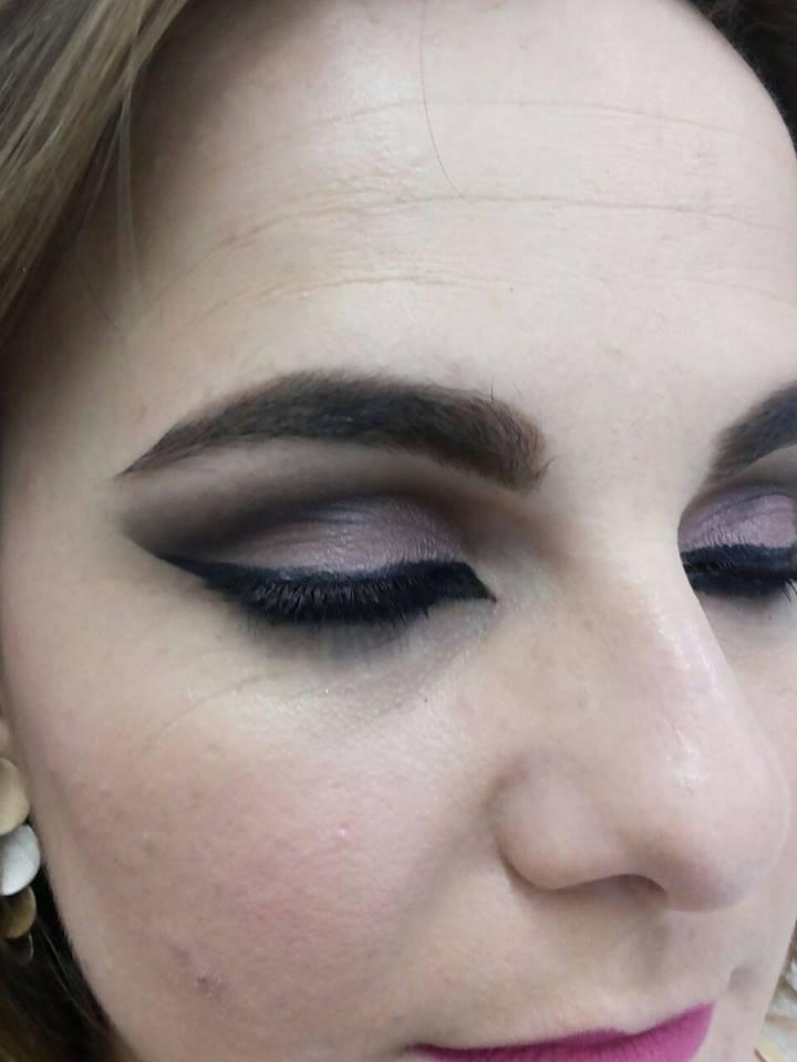 #cutcreasse#delineadogatinho#rosa designer de sobrancelhas micropigmentador(a)