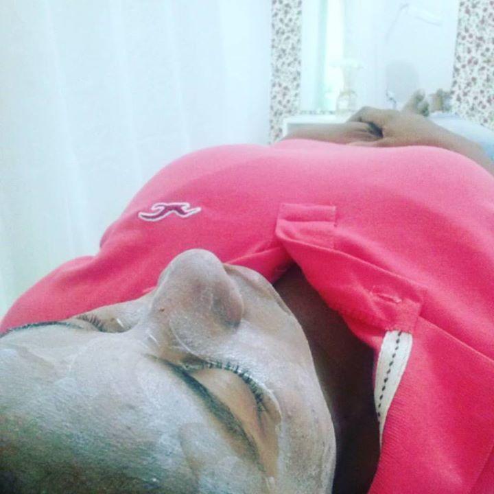 Cliente Bethania Vieira! LIMPEZA DE PELE + MÁSCARA SECATIVA ADCOS ( Aceleram a cicatrização, combatendo os processos inflamatórios do acne, ação adsorvente da oleosidade, remineralizante, secativa, suavizante, antisséptica,  propriedade rejuvenescedora e antioxidante)  esteticista
