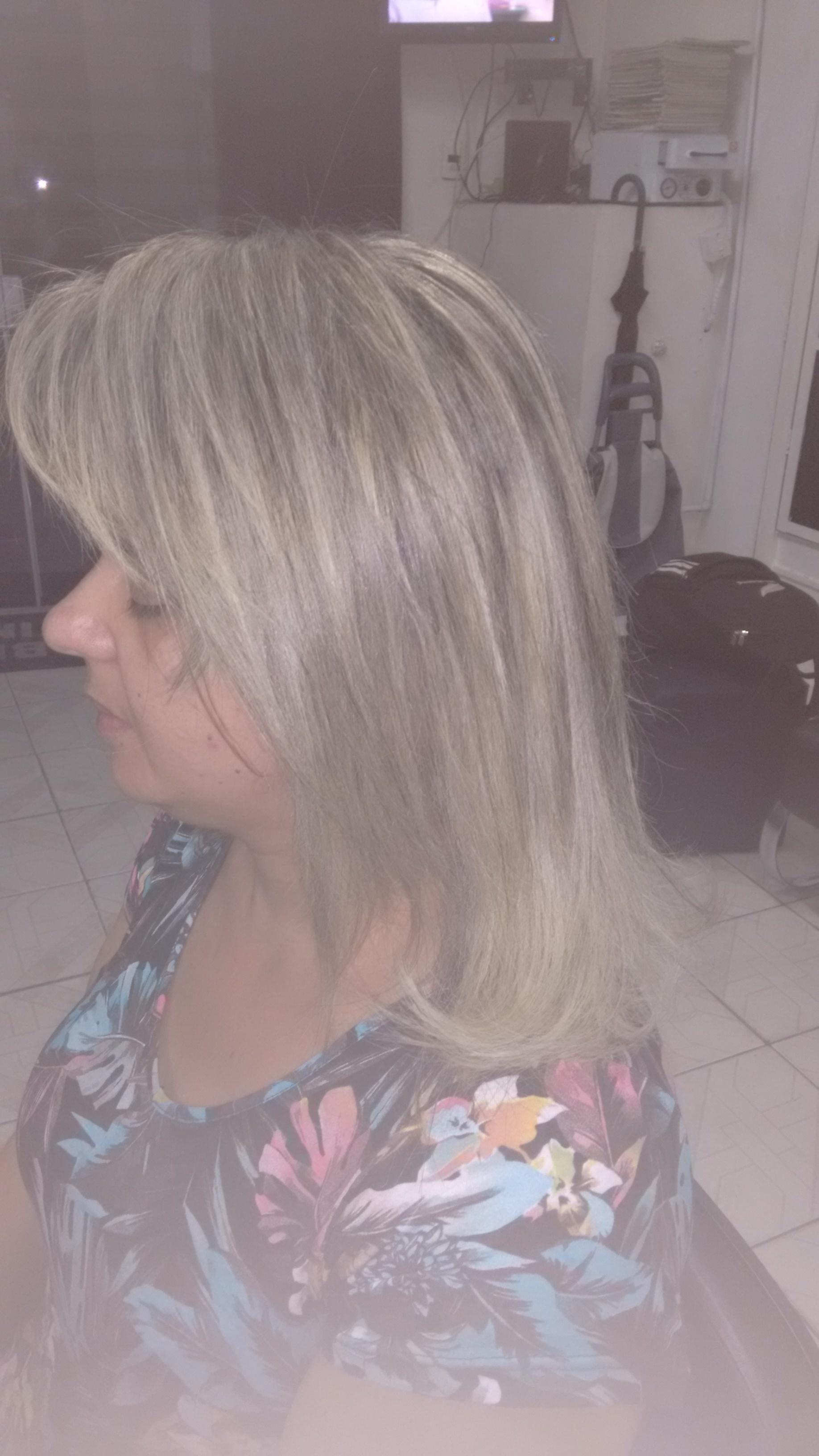 cabeleireiro(a) depilador(a) designer de sobrancelhas esteticista maquiador(a) manicure e pedicure