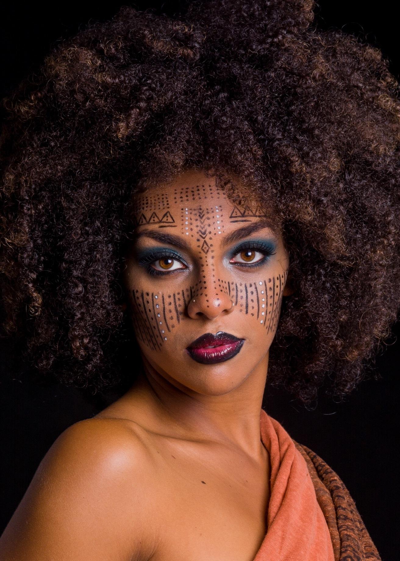 #maquiagem #etnico #africa #mac #kyolan #urbandecay #artistica #conceitual #pelenegra maquiagem  maquiador(a)