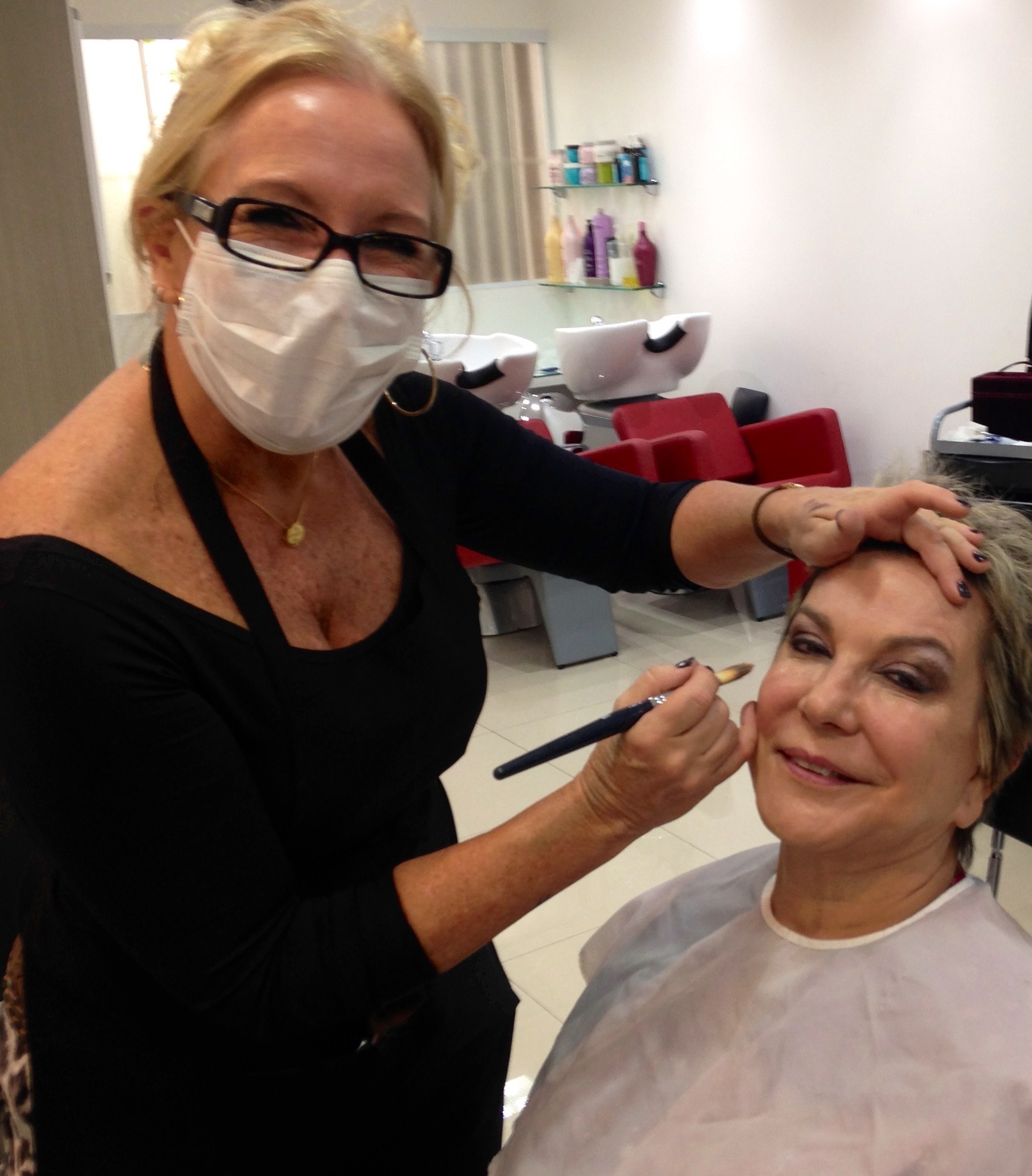 #maquiagem profissional em domicilio maquiador(a) esteticista massoterapeuta