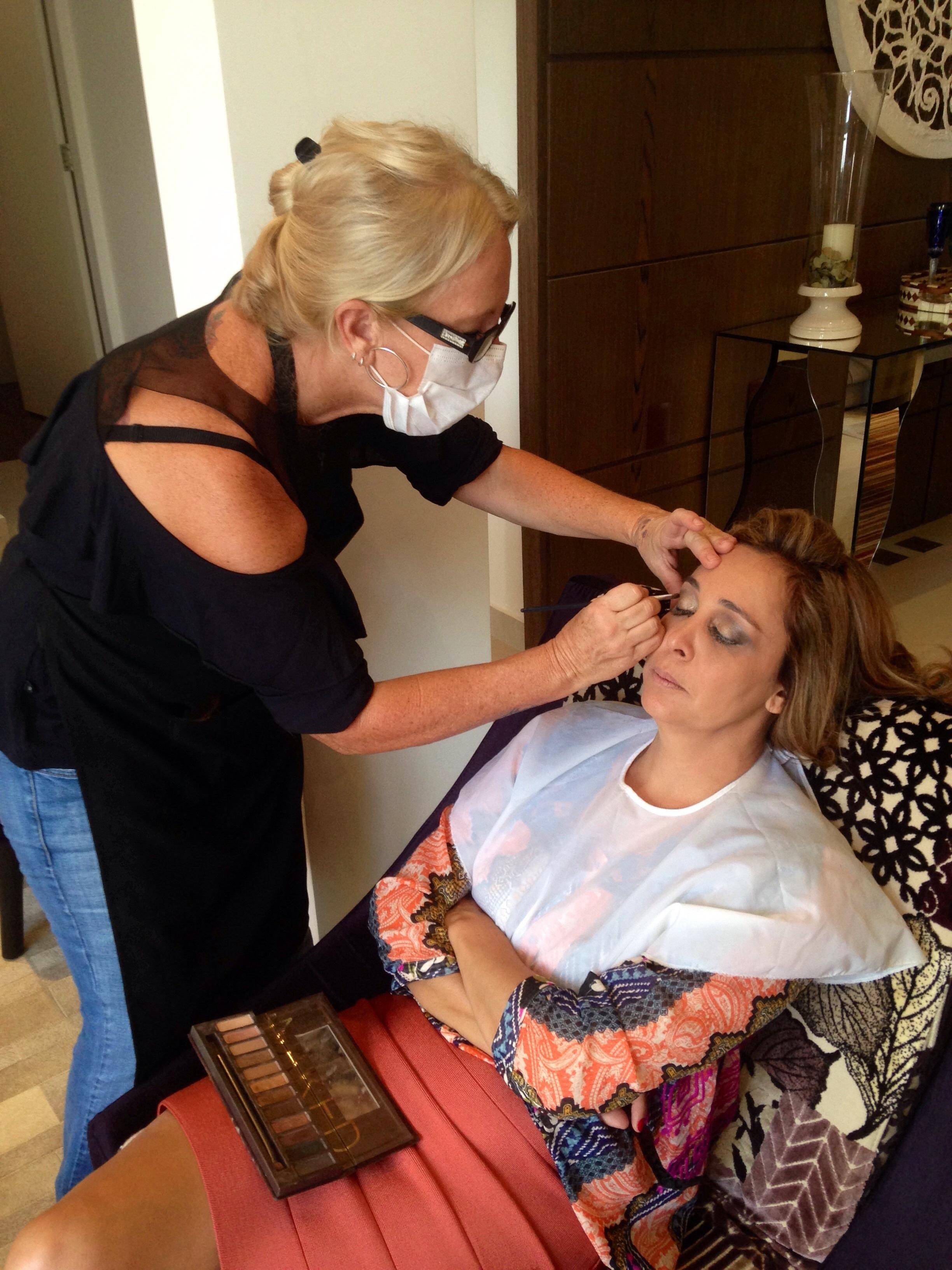 #maquiagem em domicílio  maquiador(a) esteticista massoterapeuta