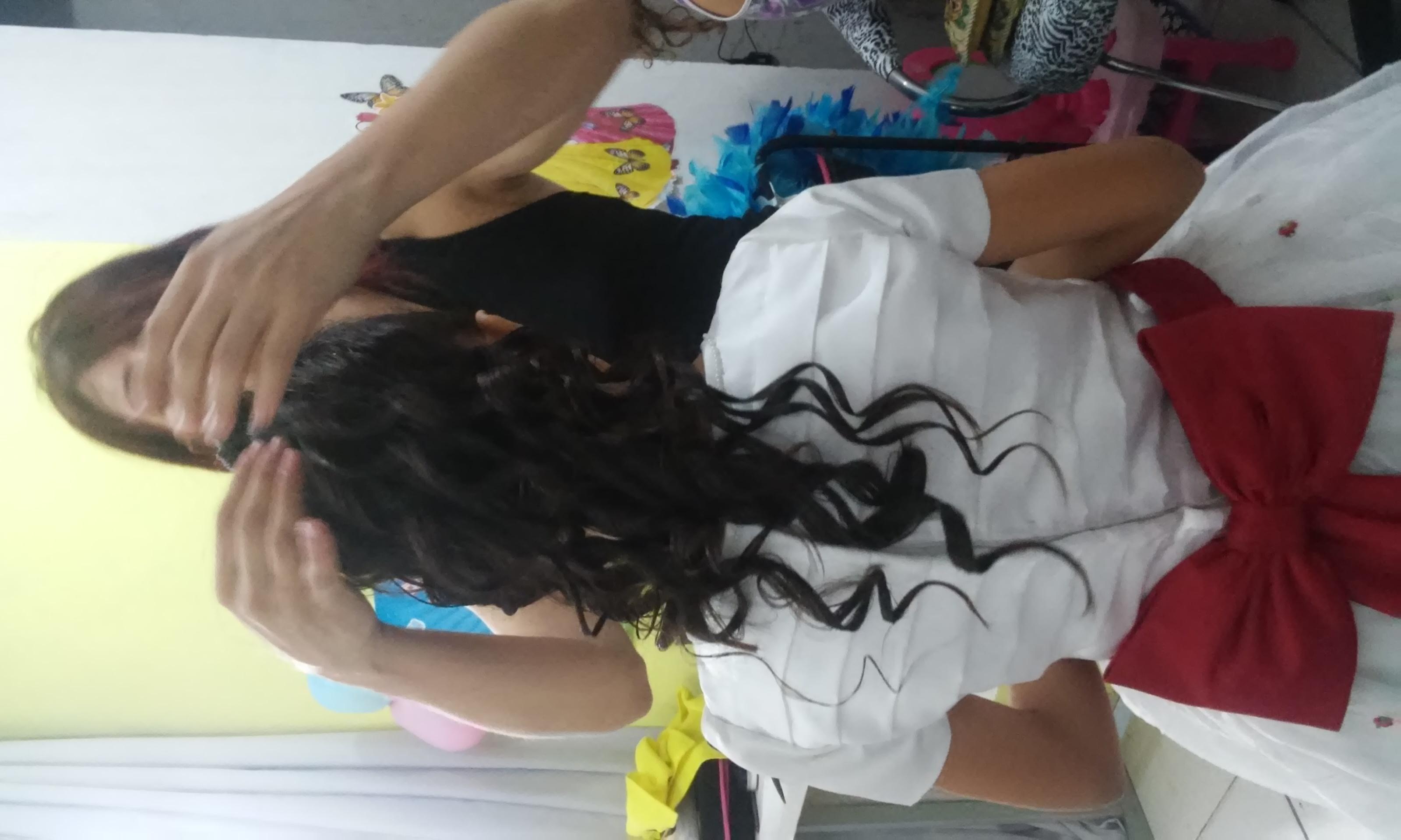 esteticista cabeleireiro(a) massoterapeuta maquiador(a)