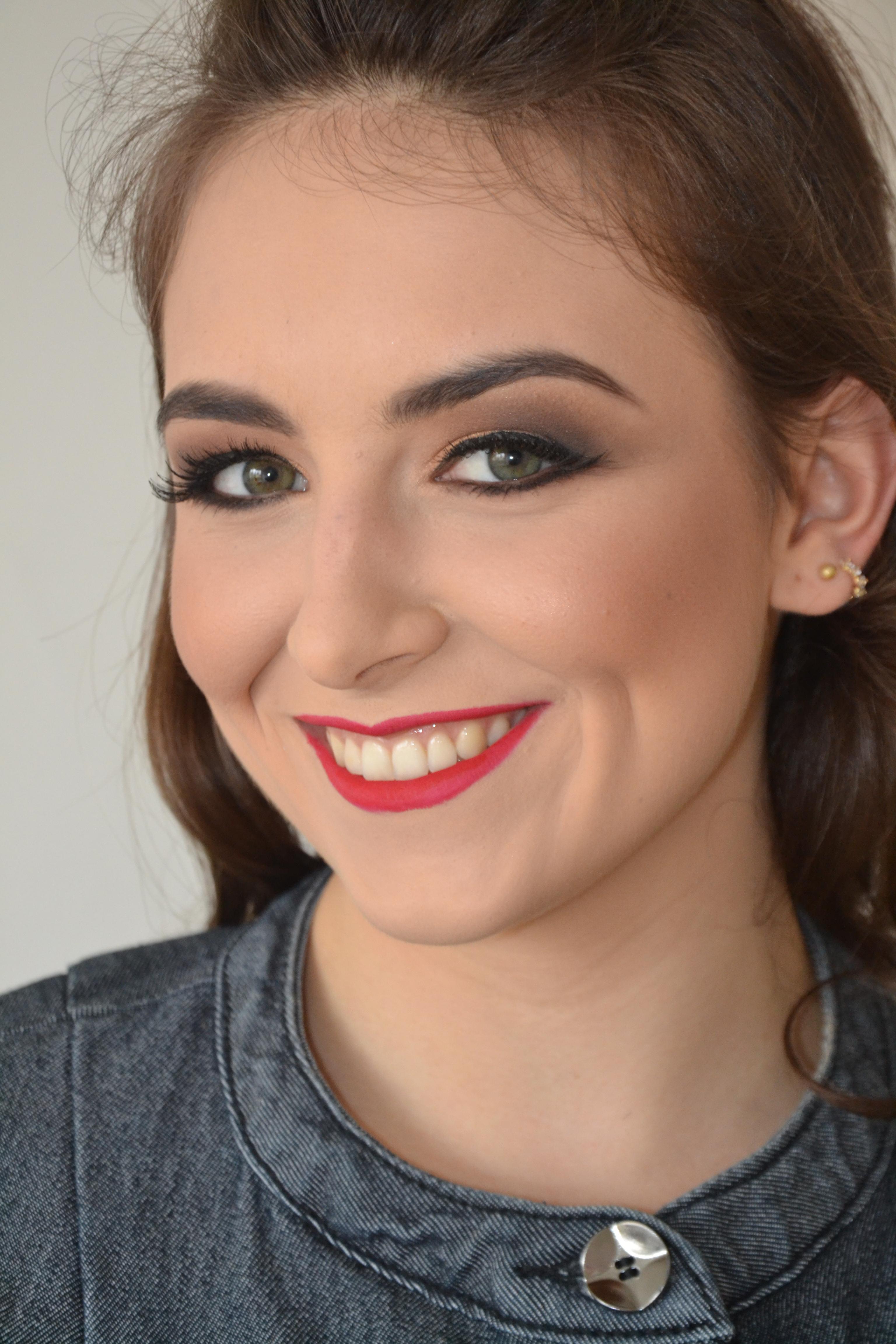 Final de semana perfeito, fazendo o que amor....maquiei a linda Lorena, obrigada Lorena! maquiador(a)