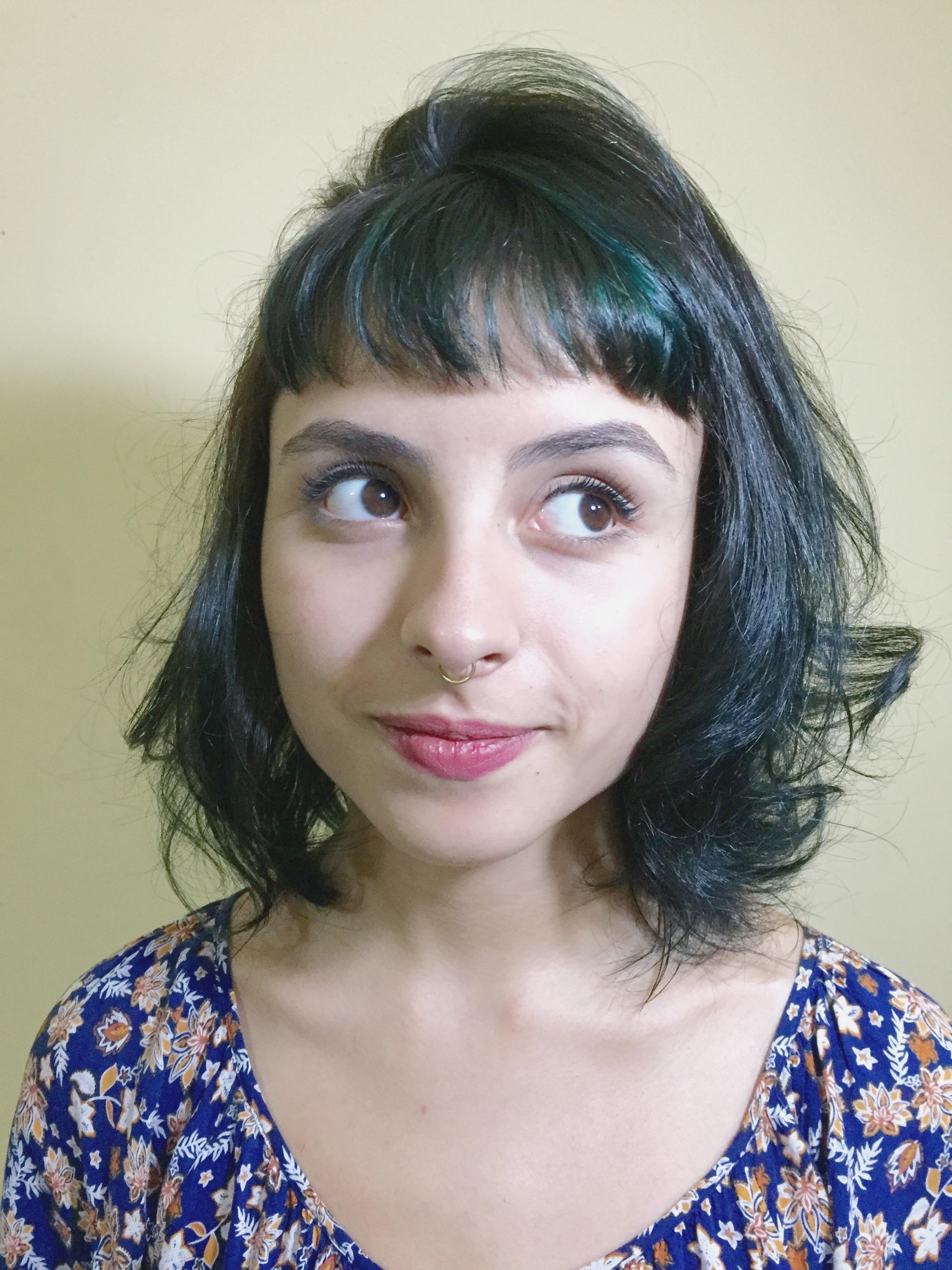 corte curto, franja,  cabelo  cabeleireiro(a) maquiador(a)
