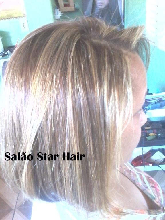 Depois das luzes platinadas. cabeleireiro(a) designer de sobrancelhas maquiador(a)