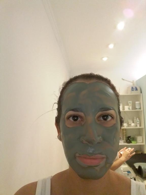 Tratamento com argila verde depilador(a)