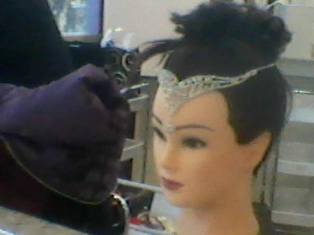 cabeleireiro(a) maquiador(a) auxiliar cabeleireiro(a) assistente maquiador(a)