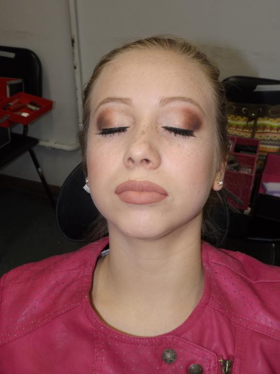 #make #básica #neutra maquiador(a) designer de sobrancelhas consultor(a)