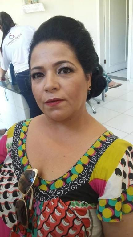 cabeleireiro(a) assistente maquiador(a) depilador(a)
