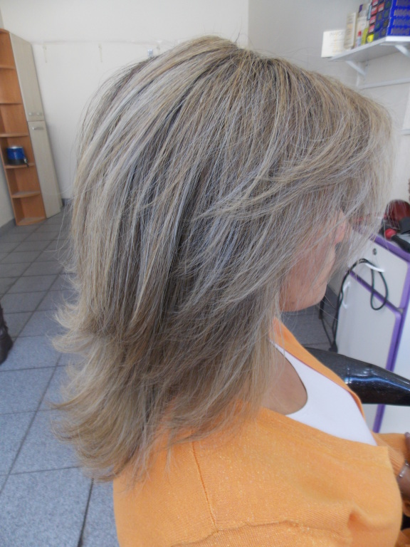 maquiador(a) cabeleireiro(a) consultor(a)