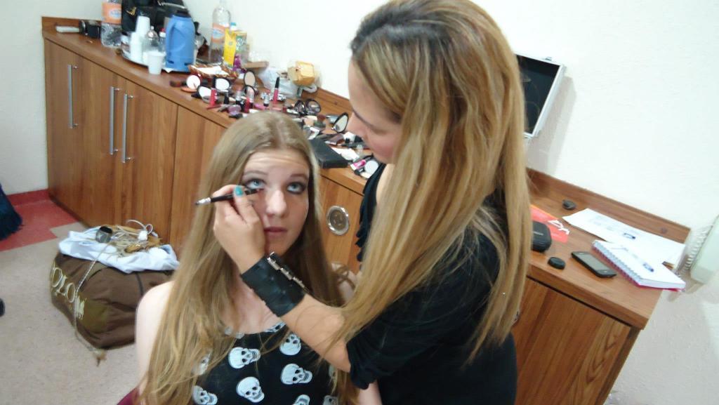 #editorial de moda #make Rosemary Leal maquiador(a) docente / professor(a)