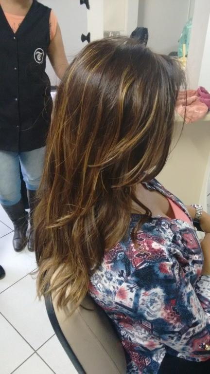 Ombré Hair cabeleireiro(a) designer de sobrancelhas depilador(a)