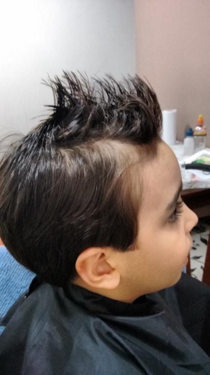 Corte Masculino Infantil cabeleireiro(a) designer de sobrancelhas depilador(a)
