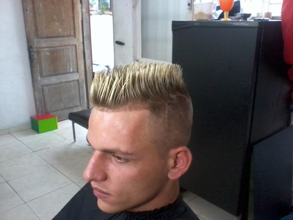quadrado disfarssado com luzes cabeleireiro(a)