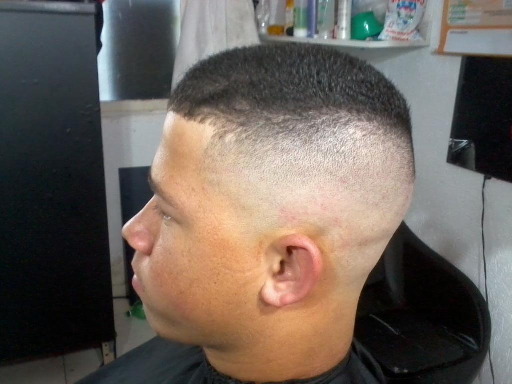 corte na navalha cabeleireiro(a)