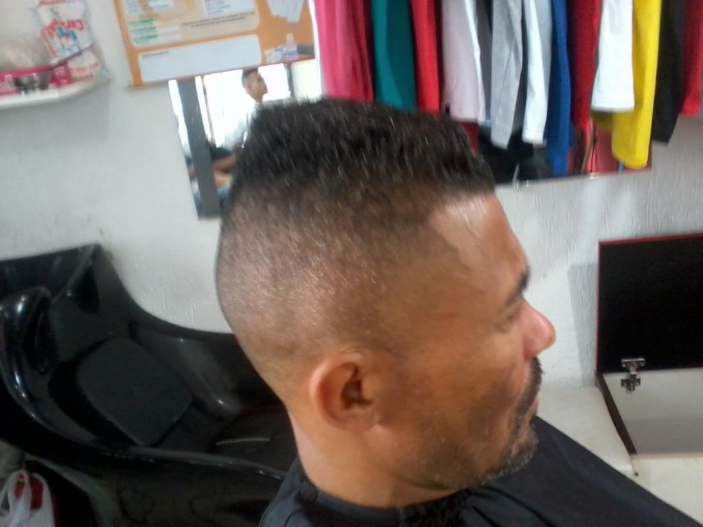 corte social com barba cabeleireiro(a)