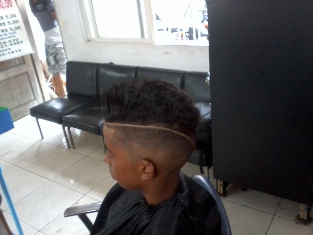 slick back com risca  cabeleireiro(a)