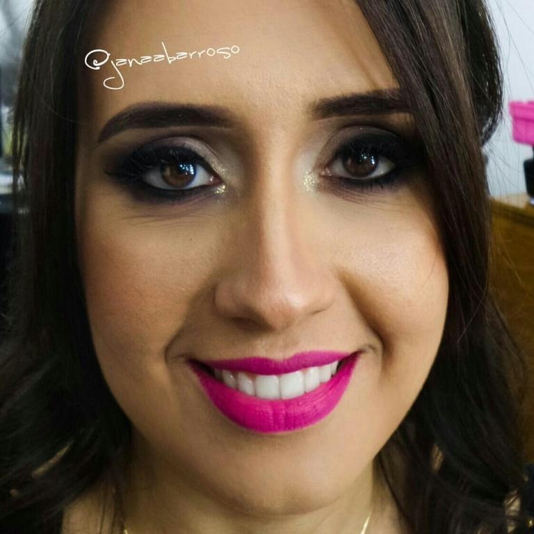 maquiador(a) designer de sobrancelhas stylist /visagista