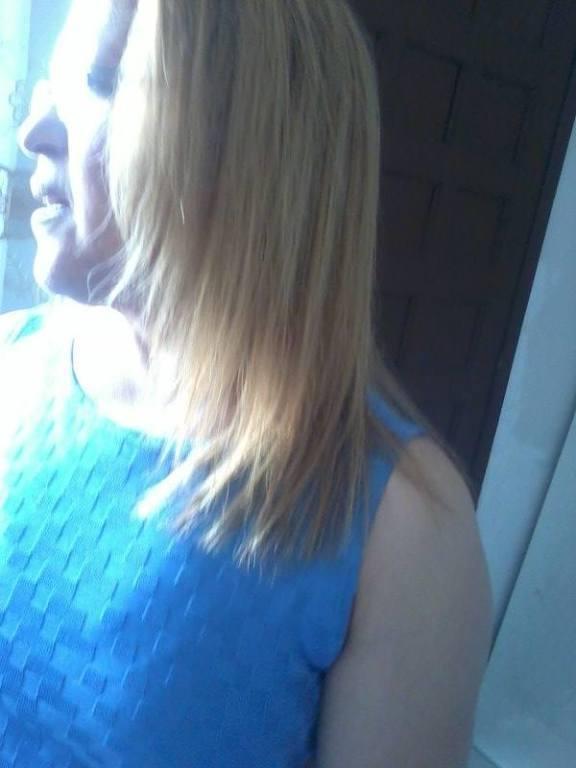 Luzes e selagem dos fios. cabeleireiro(a)