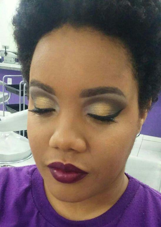 cabeleireiro(a) maquiador(a) designer de sobrancelhas depilador(a) esteticista