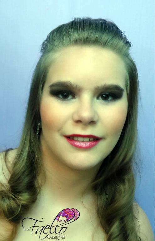 #maquiagemgarota #makeup #festa #faellodesigner #olhosesfumados #linda micropigmentador(a) designer de sobrancelhas maquiador(a) dermopigmentador(a)