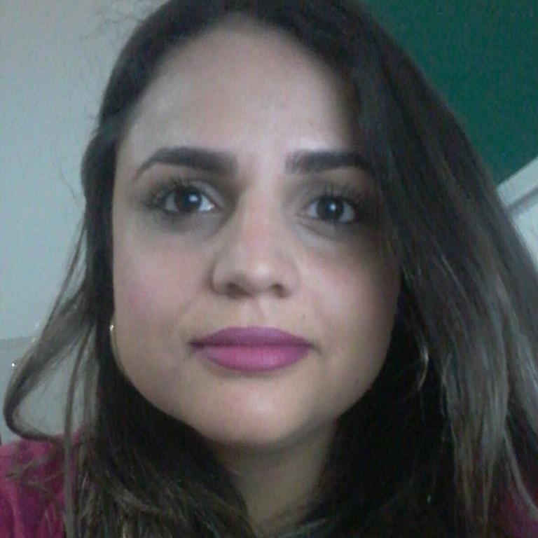 Design de sobrancelhas com henna designer de sobrancelhas maquiador(a)