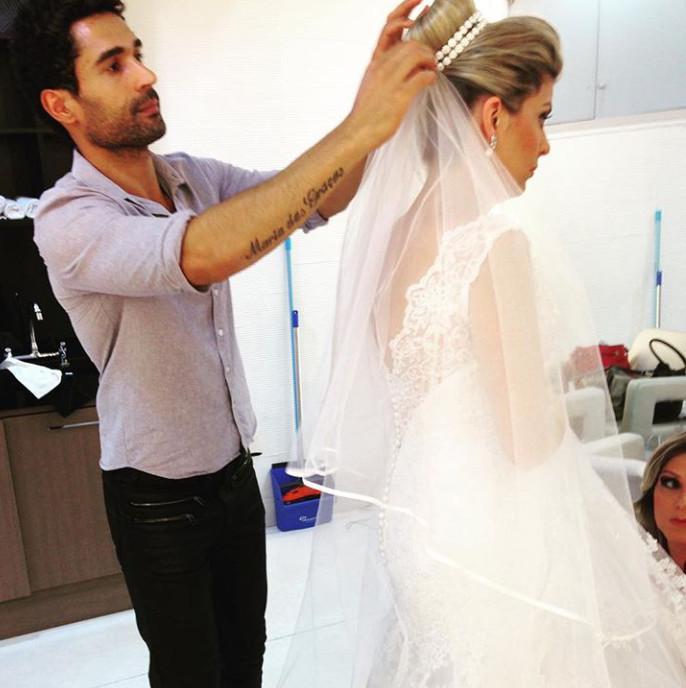 Produção #noiva #penteadopreso #coque #makeup by me cabeleireiro(a) maquiador(a)