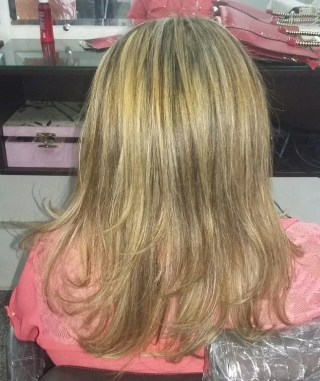 Mechas naturais .sem utilização de pigmentos artificiais.maior durabilidade da cor,brilho... cabeleireiro(a)