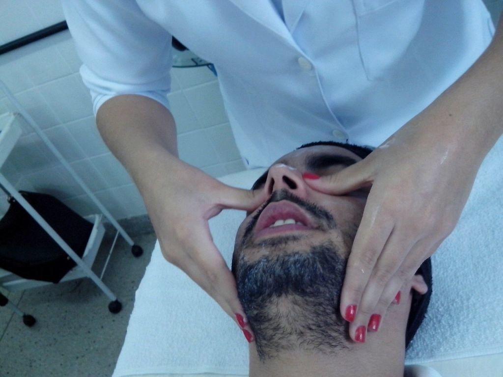 #HigienizaçãoFacial esteticista designer de sobrancelhas maquiador(a) massoterapeuta