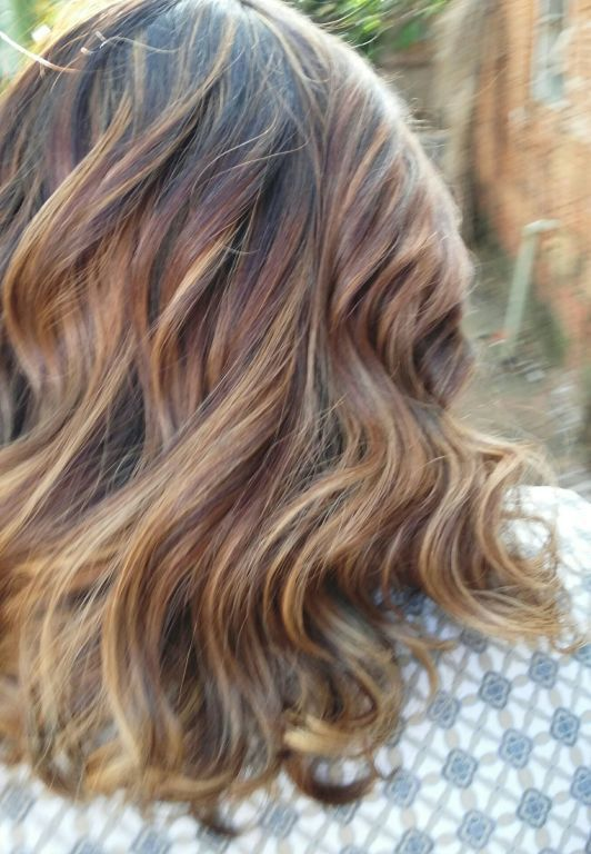 Luzes chocolate cabelo cabeleireiro(a)