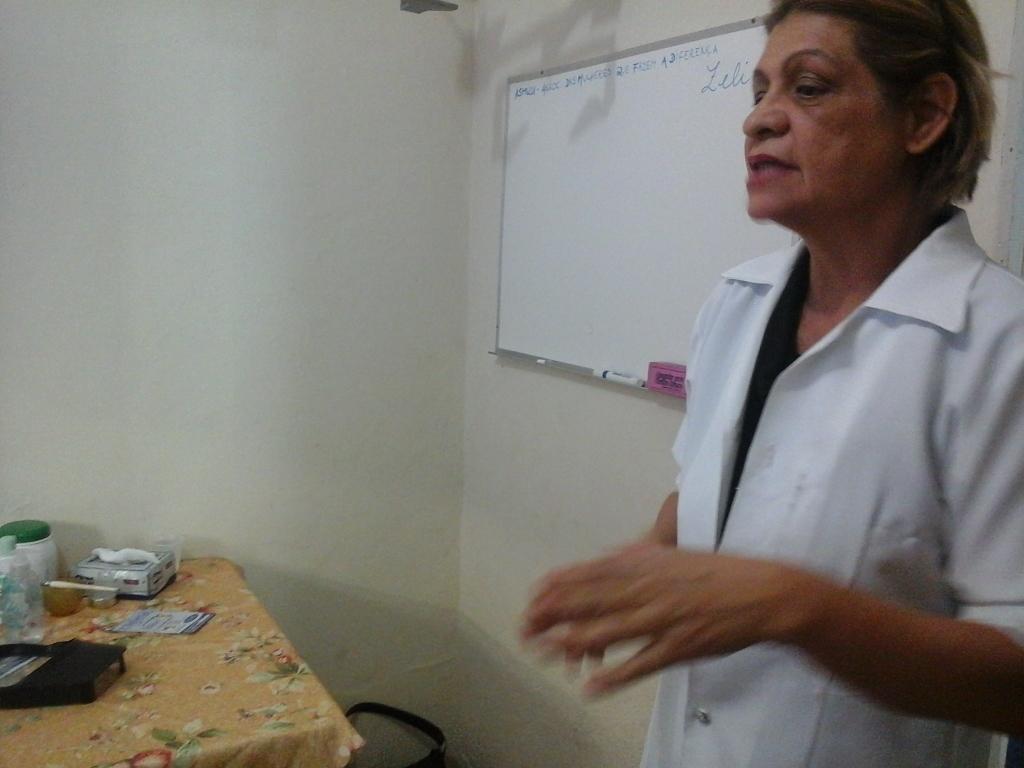 esteticista docente / professor(a) depilador(a) consultor(a) designer de sobrancelhas