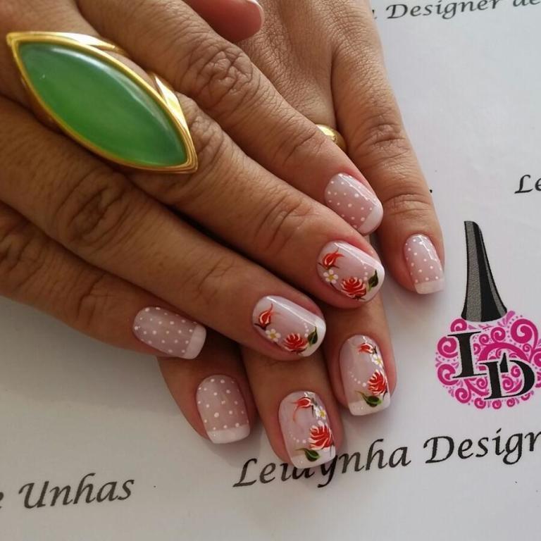 flores #unhasdaleidynha #rosas manicure e pedicure