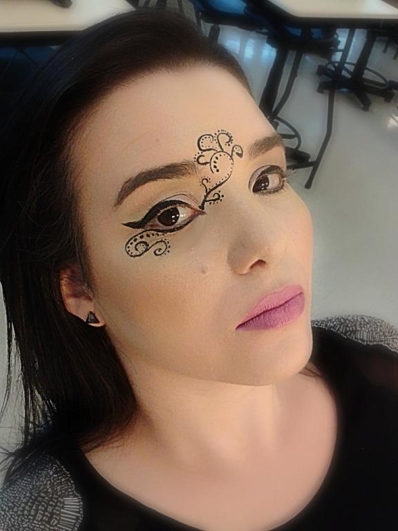 maquiador(a) vendedor(a)
