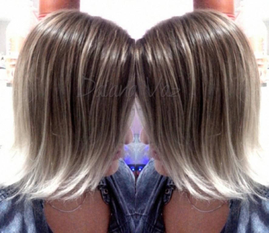 Highlight Cold Blond cabeleireiro(a)