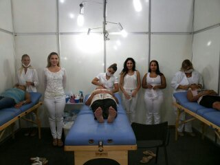 esteticista depilador(a) massoterapeuta aromaterapeuta designer de sobrancelhas