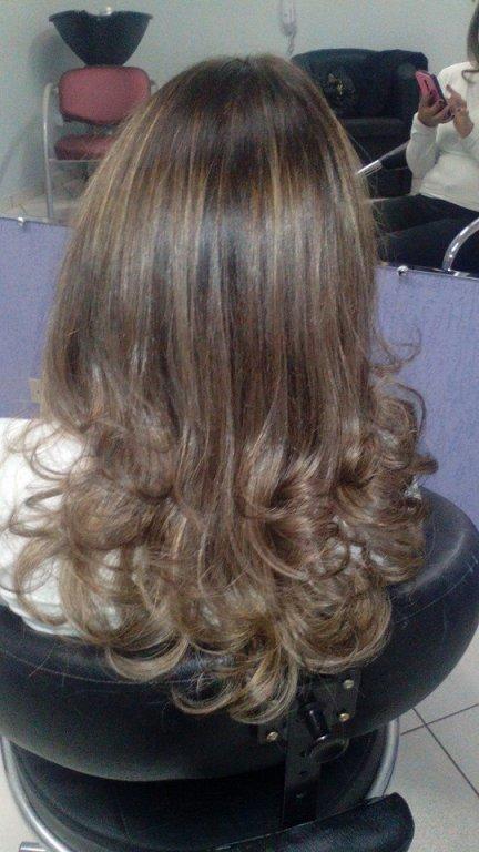 #cabelodivo ...  #morenailuminada mechas para morenas  #invisibleHighlights  #StudioPriscilaBorges41221956/959270540. cabeleireiro(a) maquiador(a)