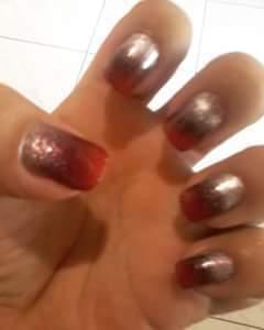 Para esse fim de semana degrade esponjado, cores Pratinado, Vermelho e preto, esmaltes La Famme, linda combinaçao...💅💅💅 Marque seu horario e encomende seu esmalte pelo 44-997274937, Inbox ou Whatss ... unha manicure e pedicure