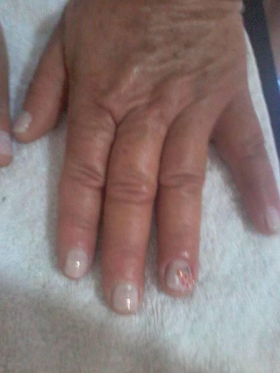 Foto mão vizinha e cliente Dona Maria. 💅💅💅 unha manicure e pedicure