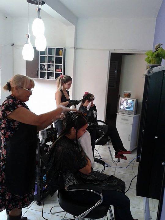 cabeleireiro(a) auxiliar administrativo recepcionista vendedor(a) promotor(a) de vendas gerente consultor(a) empresário(a) representante comercial supervisor(a)