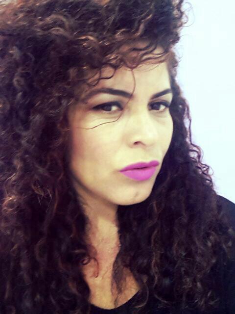 eu esperimentando batom payot designer de sobrancelhas maquiador(a) depilador(a) micropigmentador(a) dermopigmentador(a)