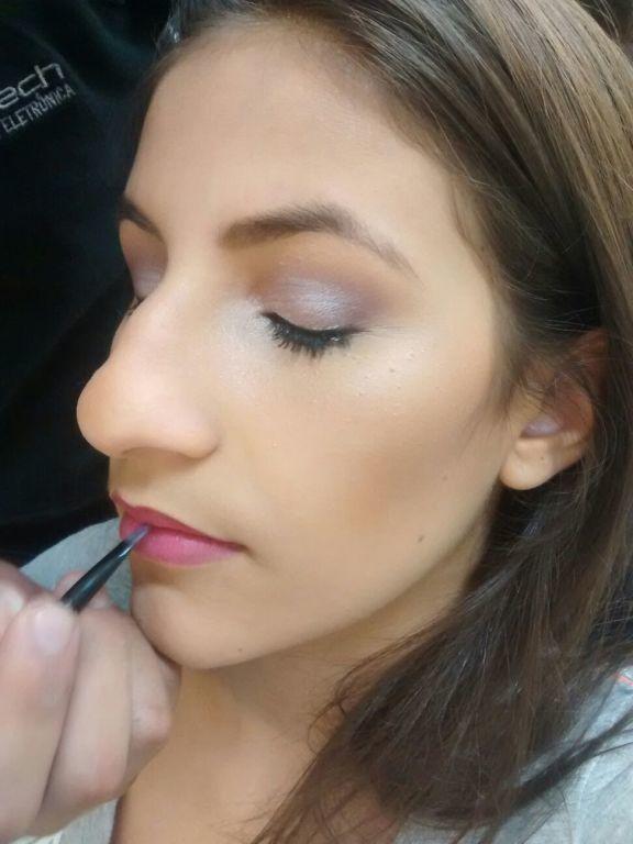 Make Debutante  estudante (maquiador)